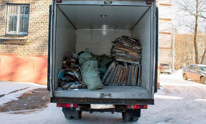 Вывоз крупногабаритного мусора автомобилем